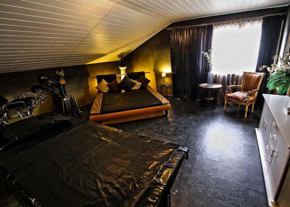 BizarresLiebeszimmer(GoldeneBizarrlounge)2