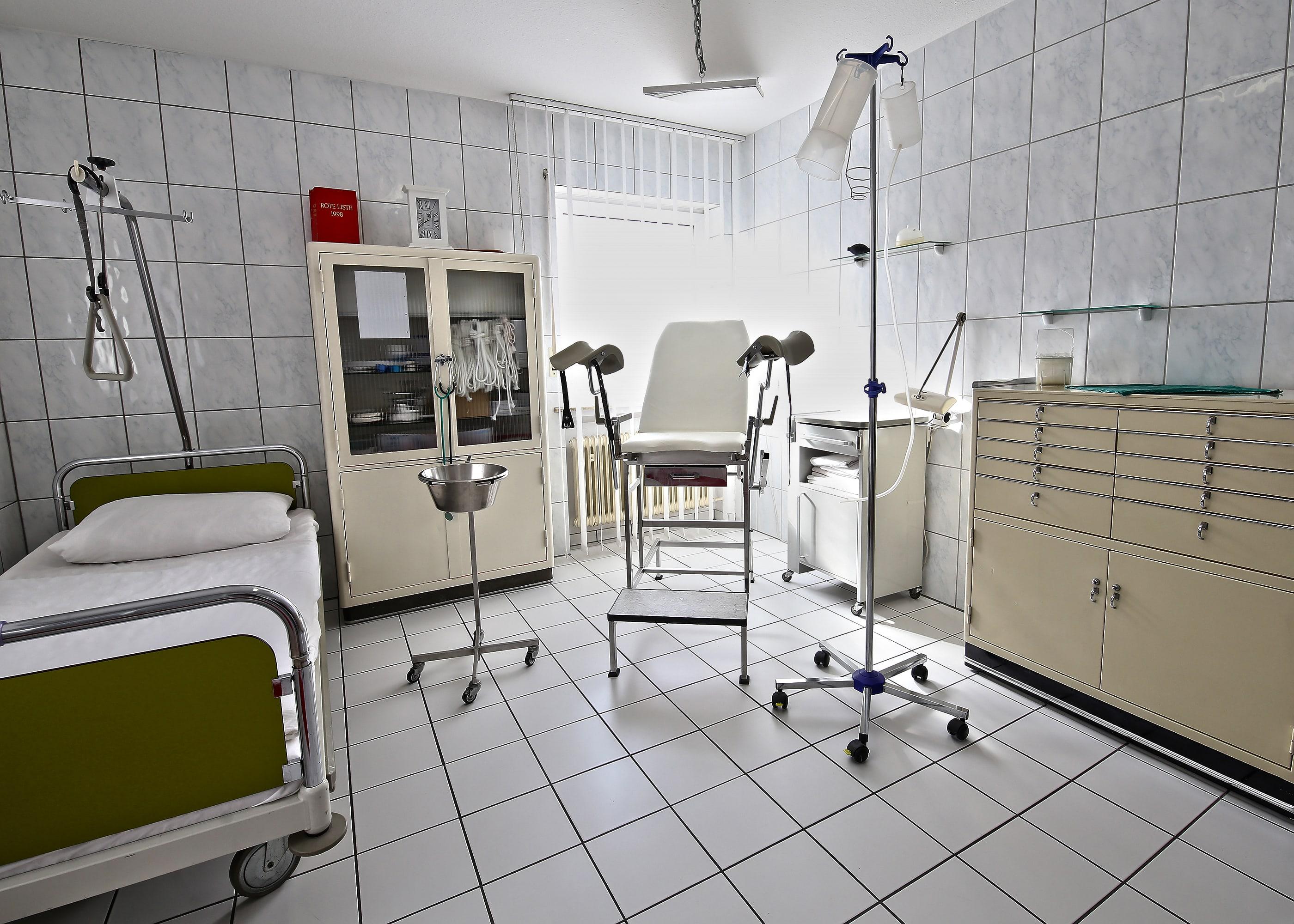 Untersuchungszimmer(DieKlinik)
