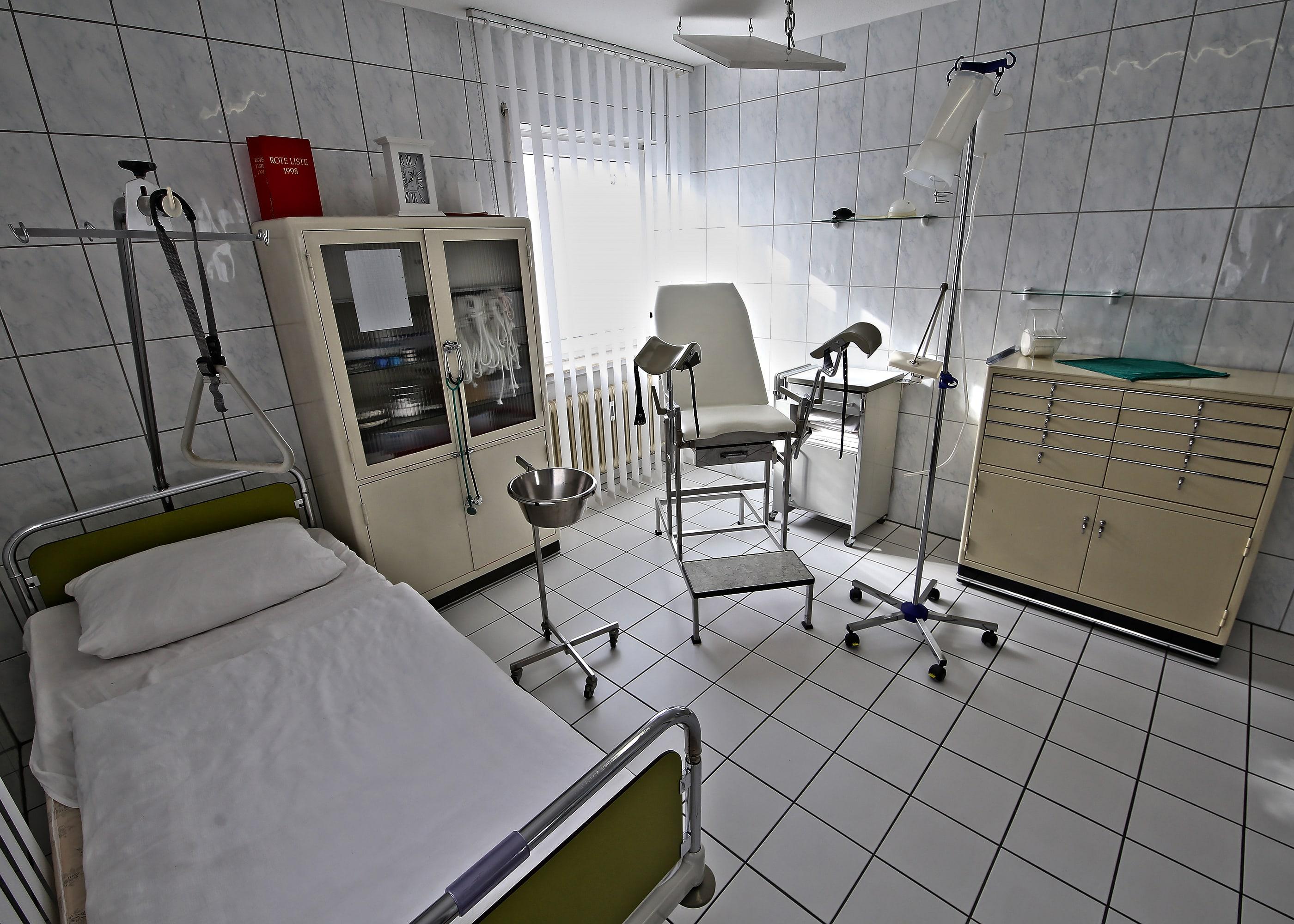 Untersuchungszimmer(DieKlinik)3